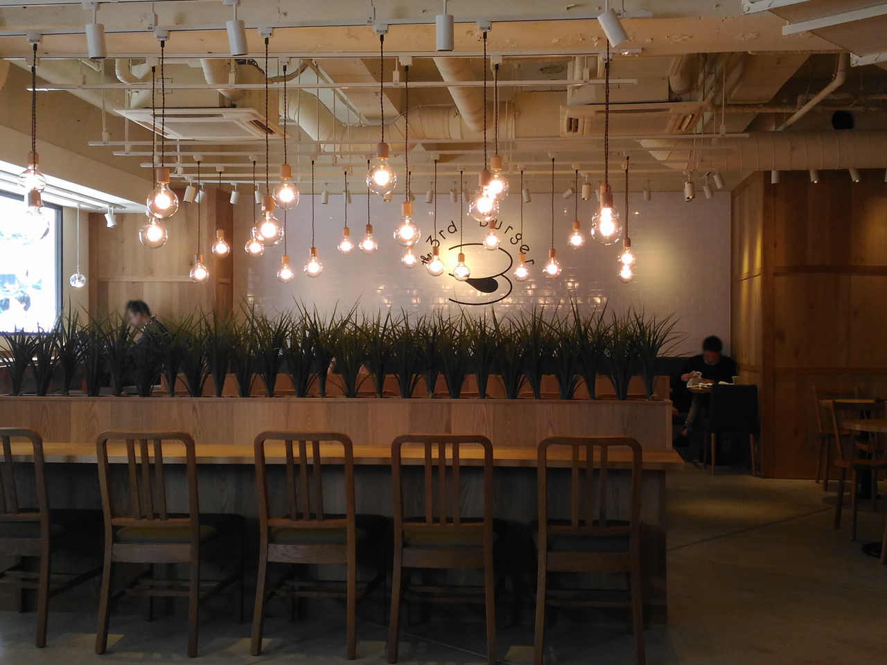 the 3rd Burger 新宿大ガード店 店内