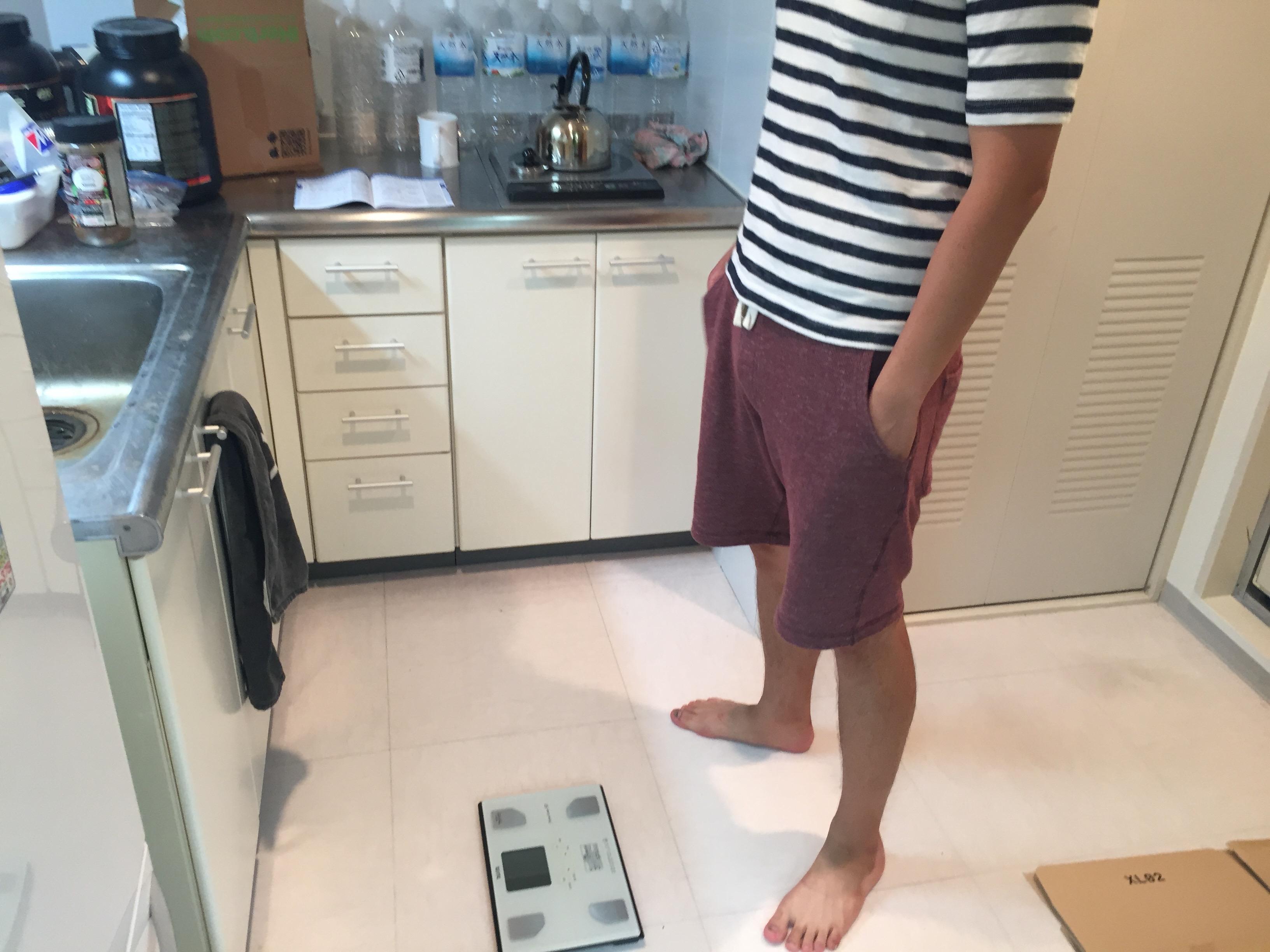 チキン体重測定