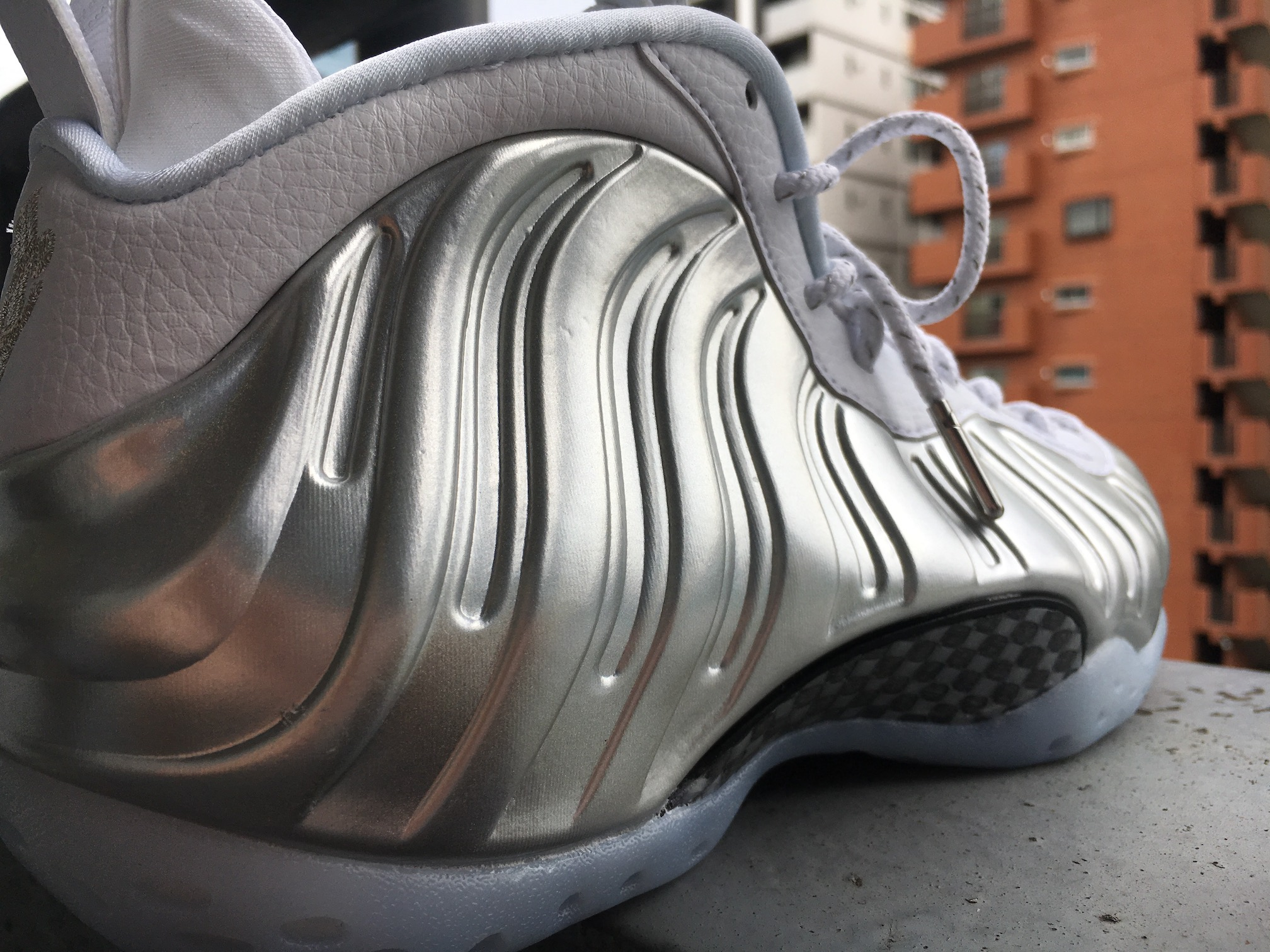 AIR FOAMPOSITE ONE CHROME エア フォームポジット ワン クローム