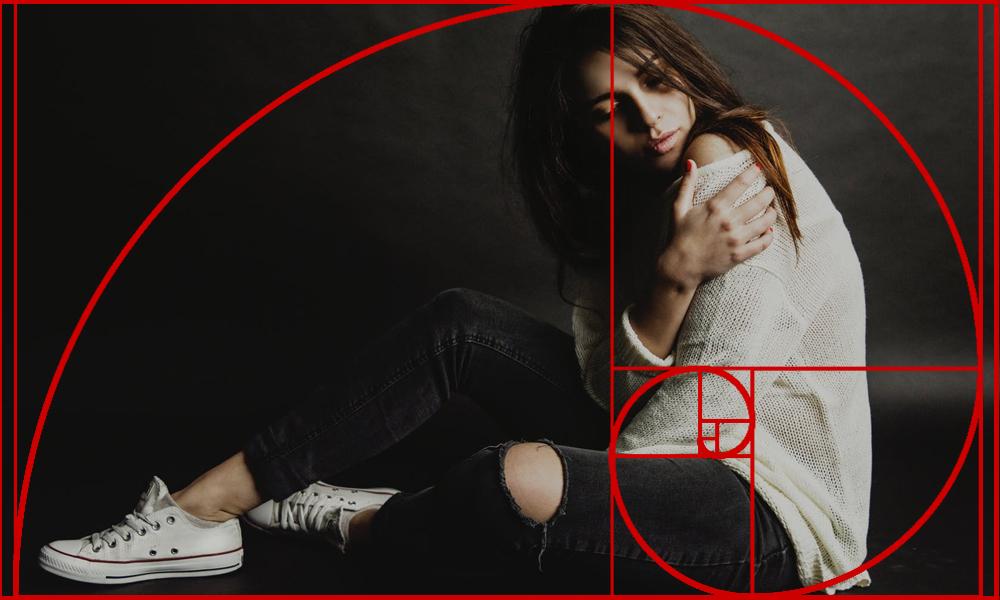 フィボナッチ螺旋構図(黄金曲線構図)