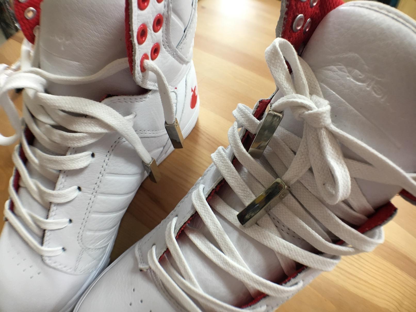 靴紐の先端 アグレット AIR EZEEY