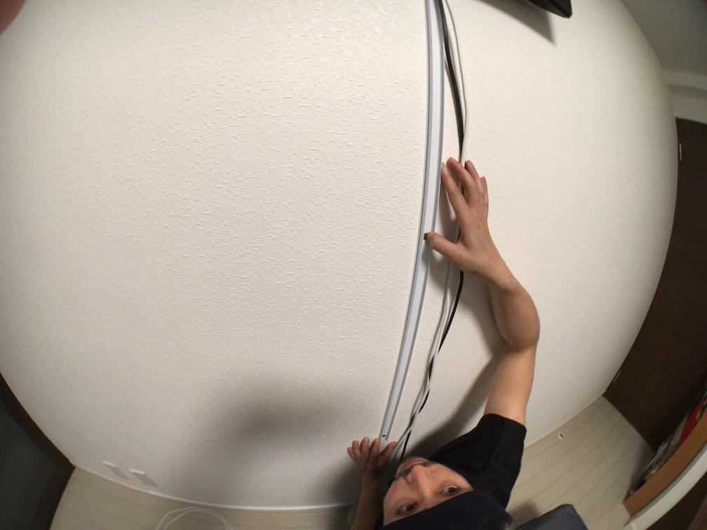 壁紙モールを使った配線処理